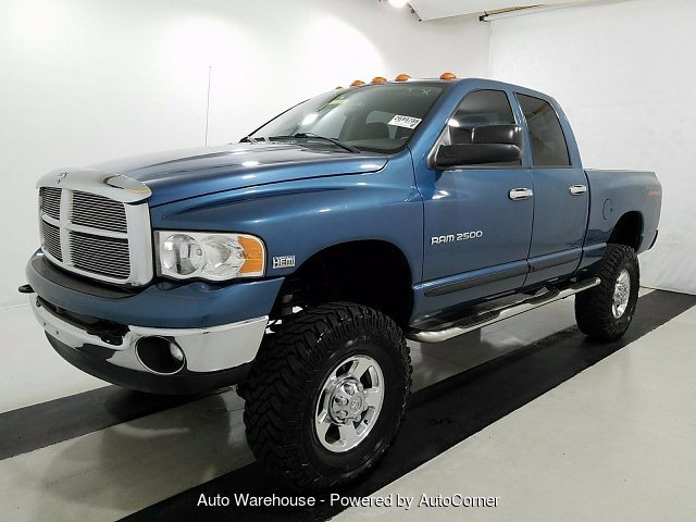 2005 Dodge Ram 2500 SLT Quad Cab Short Bed 4WD 5-Speed Automa