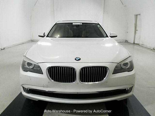 2009 BMW 7-Series 750i 6-Speed Automatic